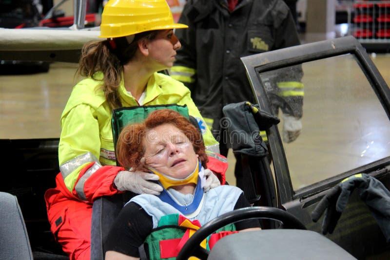 Simulation des Verkehrsunfalls stockbild