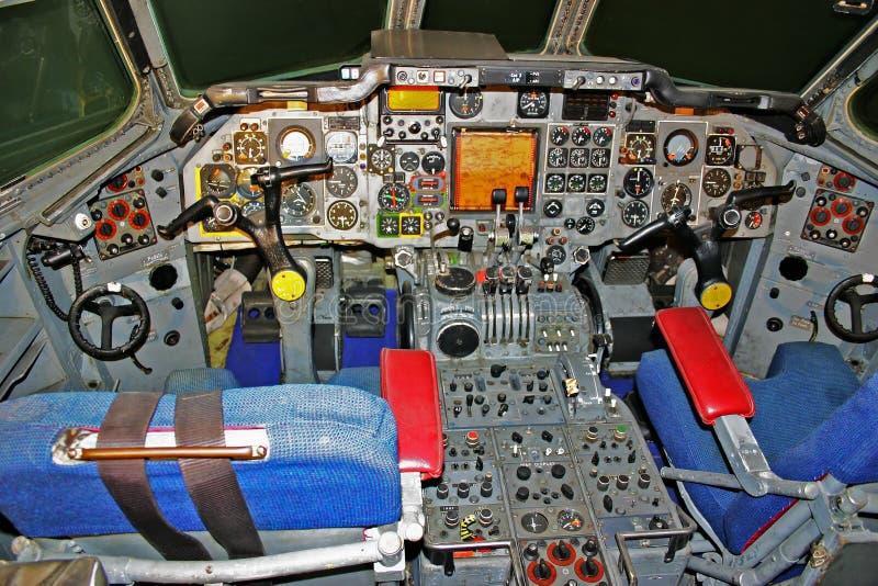 Simulatore della cabina di guida di due seater immagine for Planimetrie della cabina di log