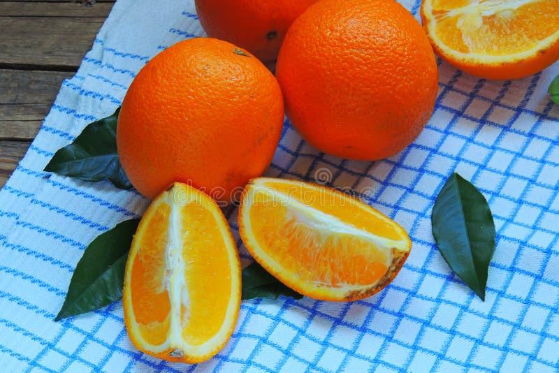 Sinaasappel in de sectieclose-up stock fotografie