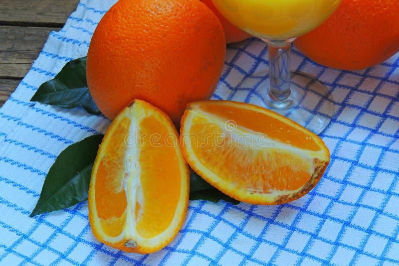 Sinaasappel in de sectieclose-up stock afbeelding