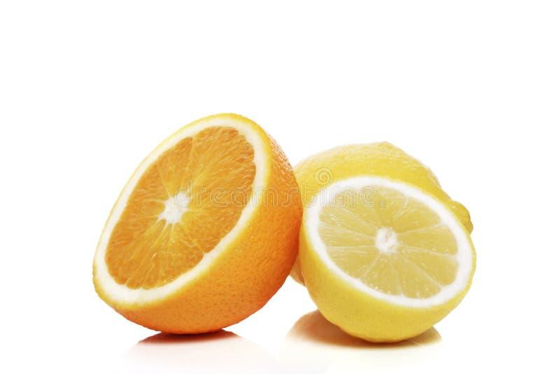 Sinaasappel en citroenen stock foto