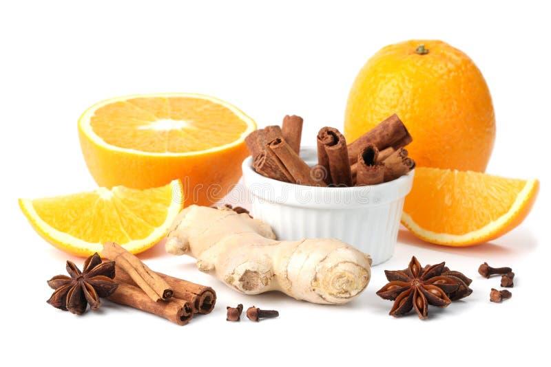 Sinaasappel en kruiden stock foto