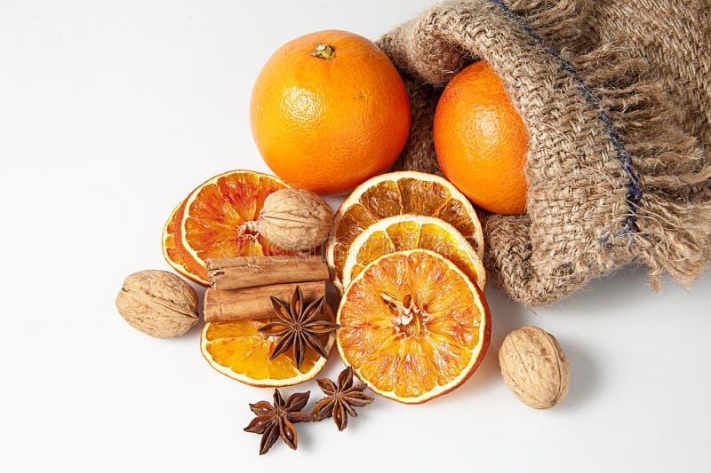 Sinaasappelen en Kerstmiskruiden royalty-vrije stock afbeeldingen