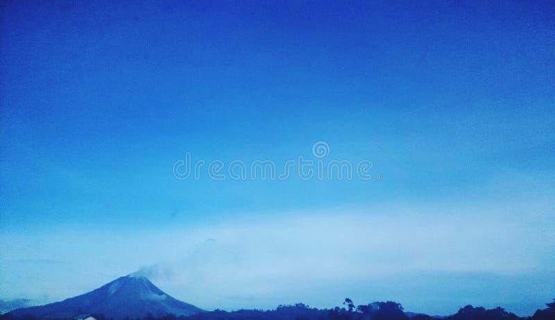 Sinabung imagens de stock royalty free