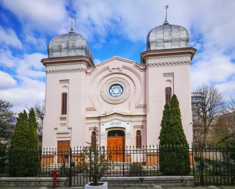 Sinagoga judaica na cidade de Ploiesti, Romênia fotografia de stock