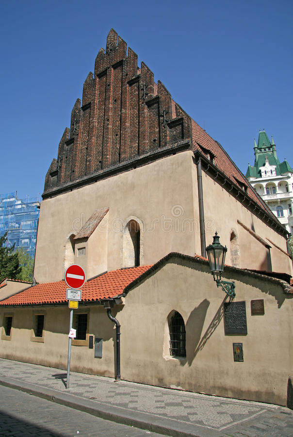 sinagoga Velho-nova em PRAGA, REPÚBLICA CHECA foto de stock royalty free