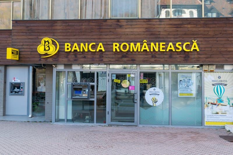 """Sinaia, Romania - 9 marzo 2019: """"Succursale bancaria rumena di Banca Romaneasca """"situata in Sinaia, Prahova, Romania fotografie stock libere da diritti"""