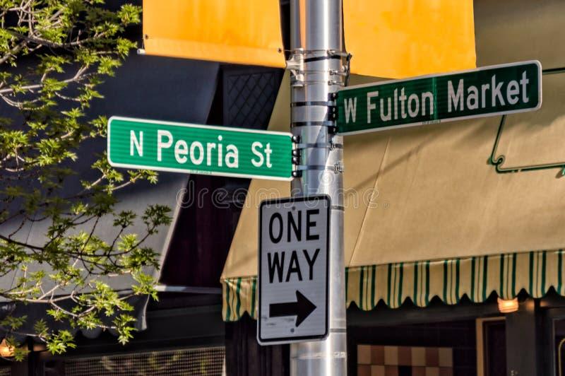 Sinais da informa??o do sentido de Fulton Market Street e da rua de Peoria Rua principal em Chicago fotos de stock royalty free