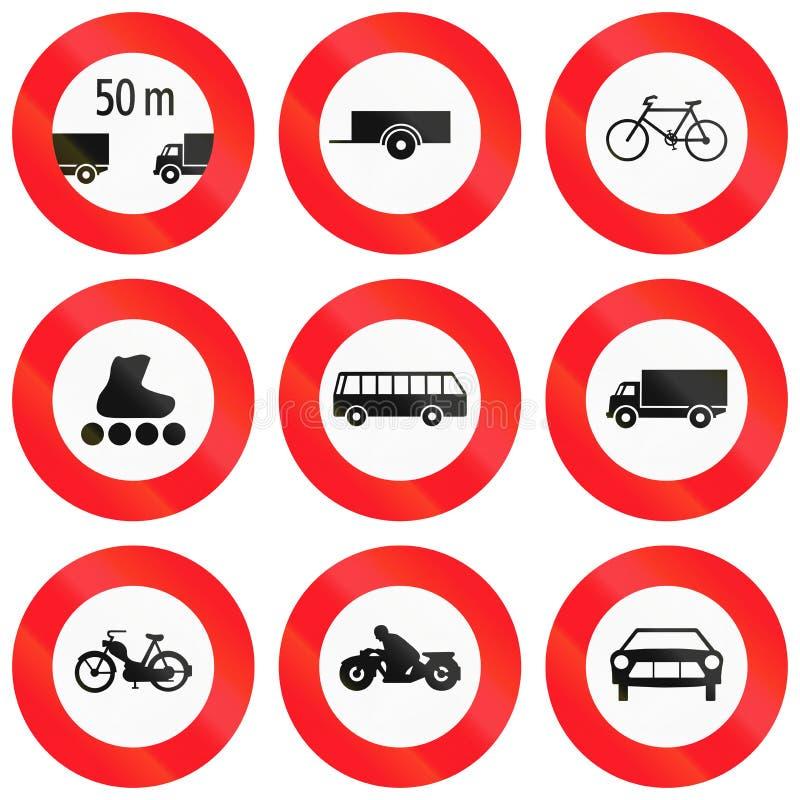 Sinais de estrada reguladores usados em Suíça ilustração stock