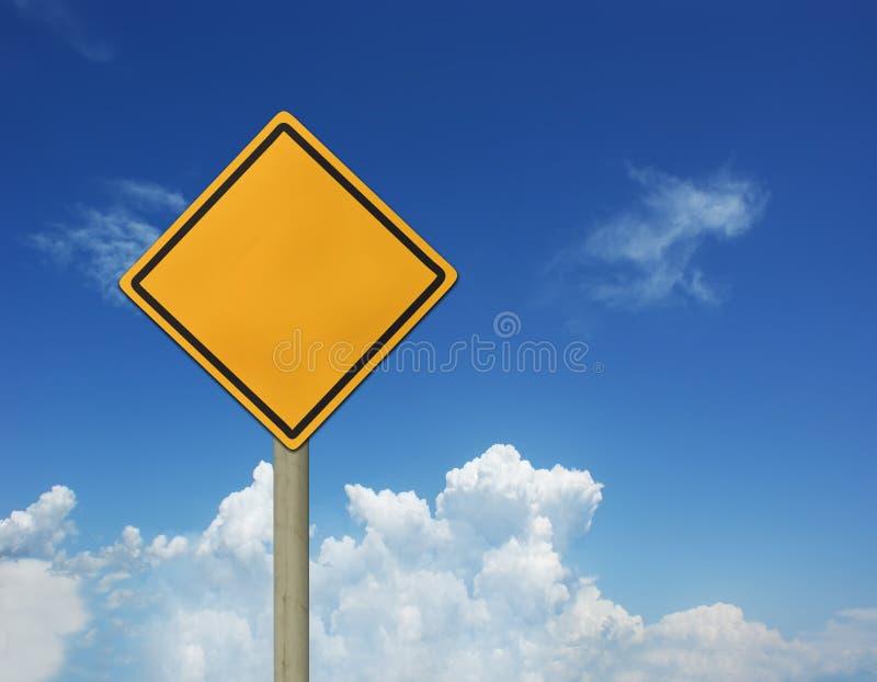 Sinais do céu e de estrada imagens de stock royalty free