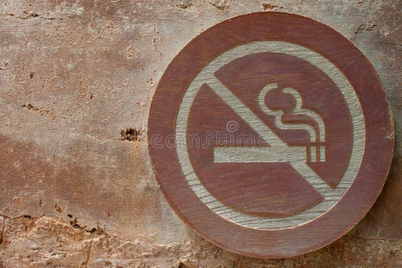 Sinais não fumadores fotos de stock