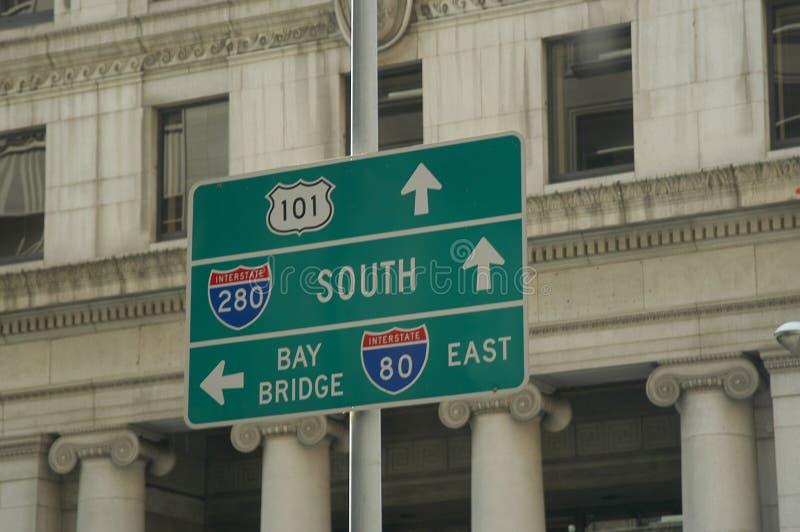 Download Sinais urbanos foto de stock. Imagem de transporte, ponte - 57278