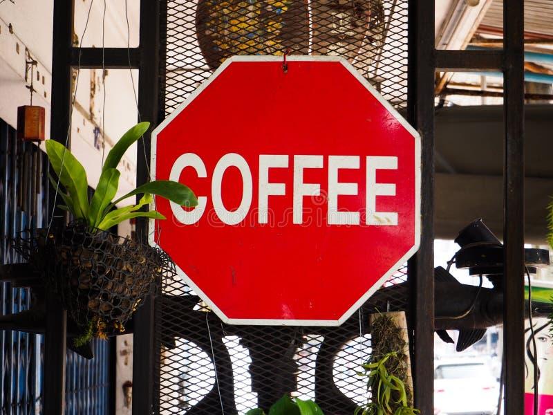 Sinais vermelhos do café imagens de stock royalty free
