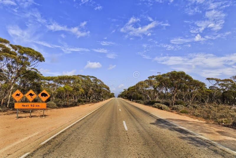 Sinal animal 92km das madeiras da estrada do SA imagens de stock