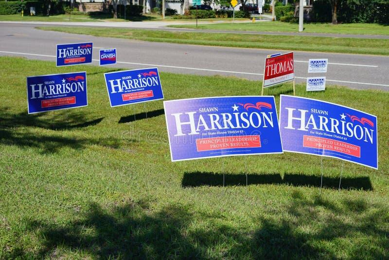 Sinal azul do voto da eleição que vota o distrito 63 da casa do estado do abeto de Shawn Harrison imagem de stock