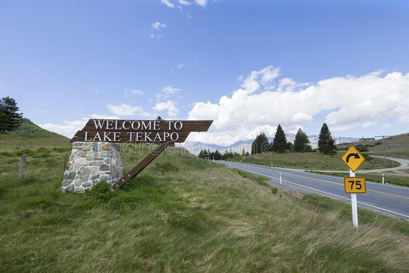 Sinal bem-vindo, lago Tekapo, Nova Zelândia foto de stock