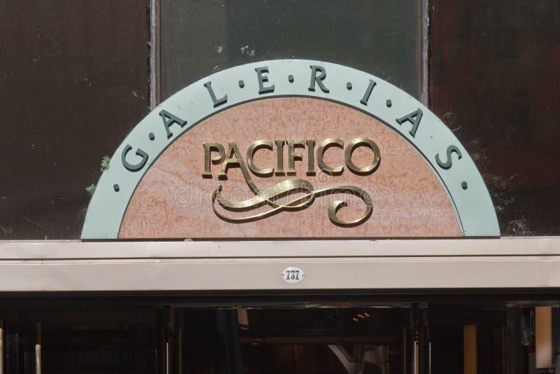 Sinal Buenos Aires de Galerias Pacifico fotografia de stock