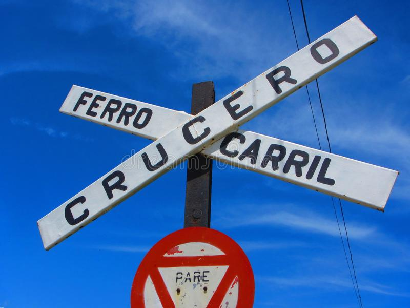 Sinal cubano do cruzamento de estrada de trilho fotografia de stock