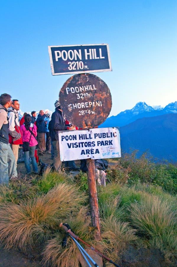 Sinal da altura do monte de Poon, Nepal foto de stock
