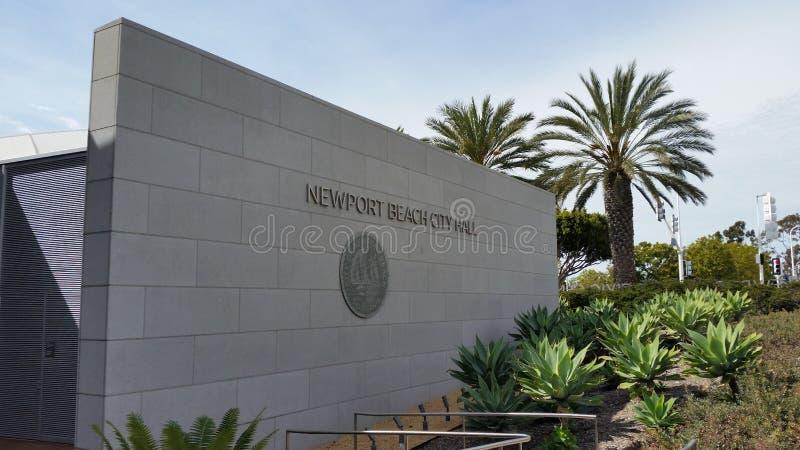 Sinal da c?mara municipal da praia de Newport fotografia de stock