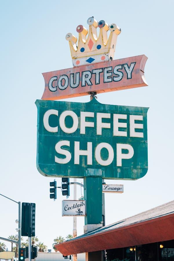 Sinal da cafetaria da cortesia, em Blythe, Califórnia imagem de stock