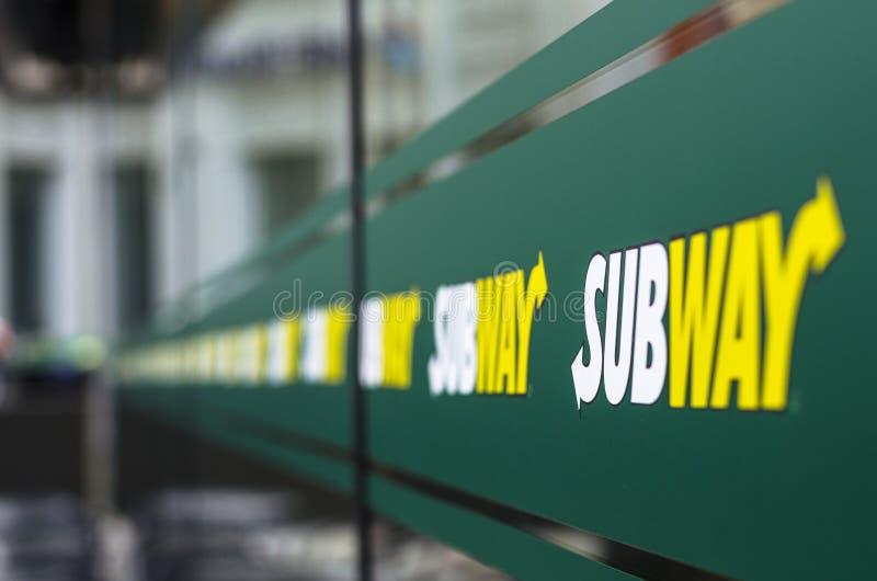 Sinal da empresa do metro imagens de stock