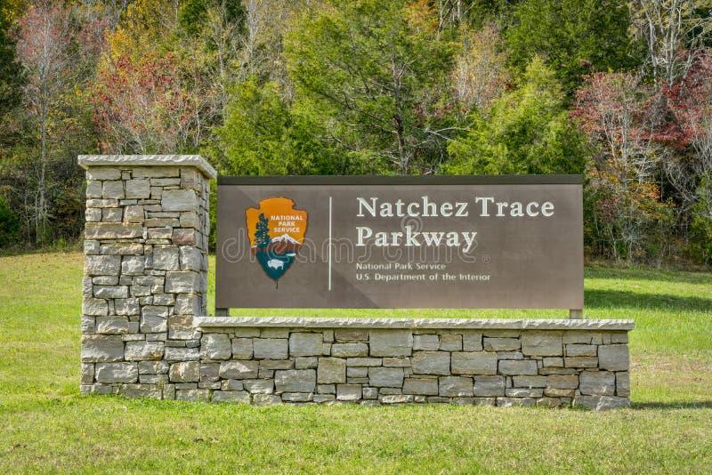 Sinal da entrada de Natchez Trace Parkway foto de stock