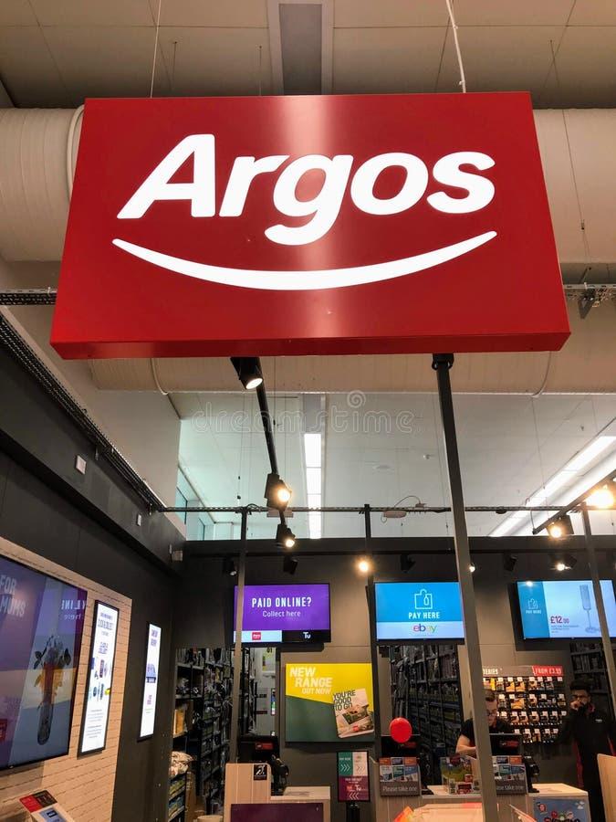 Sinal da loja de Argos foto de stock