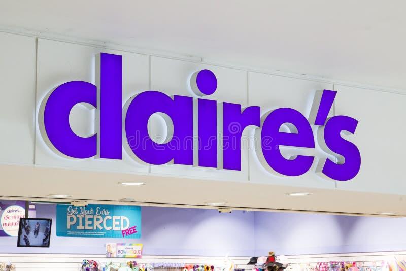 Sinal da loja dos acessórios de Claire fotografia de stock