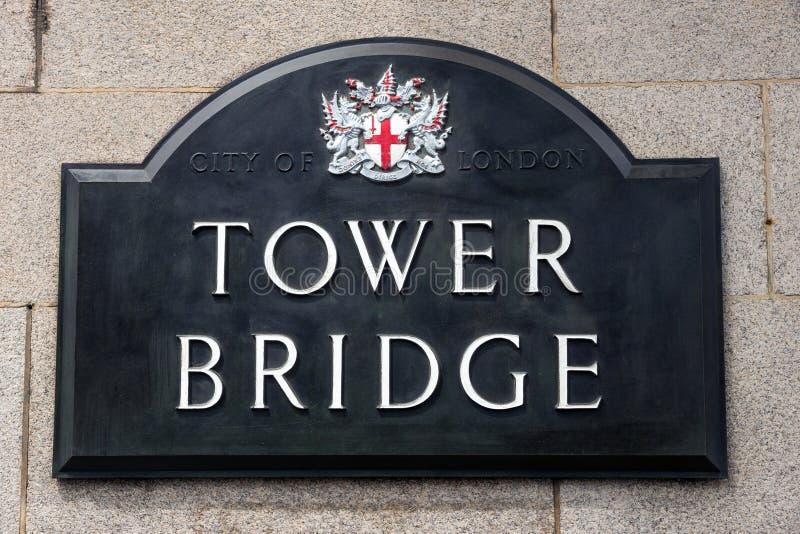 Sinal da ponte da torre imagens de stock royalty free