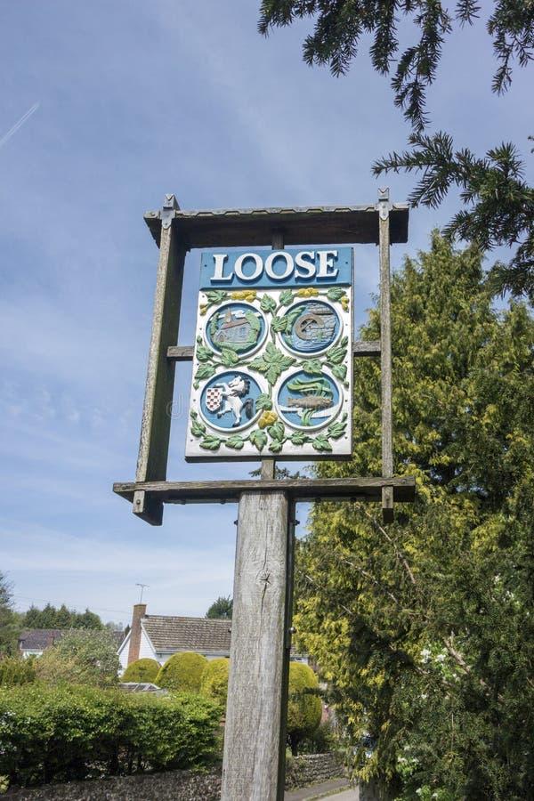 Sinal da vila para fraco em Kent, Inglaterra fotografia de stock royalty free