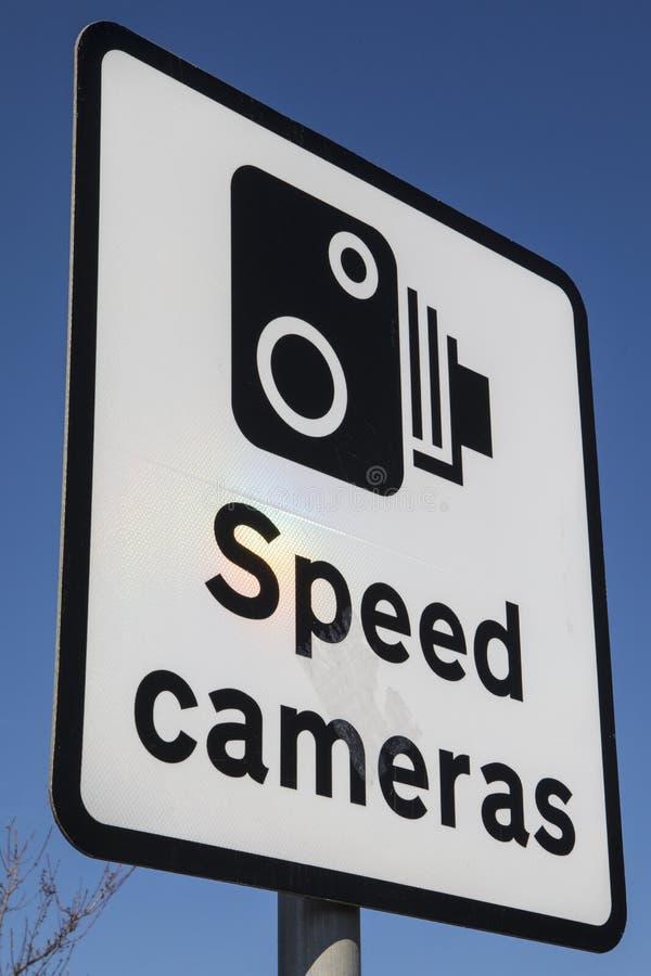 Sinal das câmeras da velocidade imagens de stock