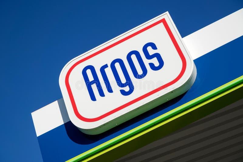 Sinal de Argos no posto de gasolina fotografia de stock royalty free