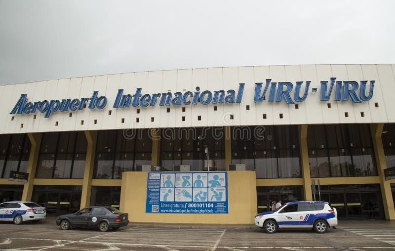 Sinal de aviso de Ebola no aeroporto internacional de Bolívia imagem de stock royalty free