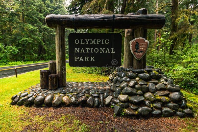Sinal de entrada do Parque Nacional Olímpico, Washington, Estados Unidos da América, Travel USA, feriado, aventura, ao ar livre imagens de stock