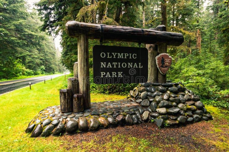 Sinal de entrada do Parque Nacional Olímpico, Washington, Estados Unidos da América, Travel USA, feriado, aventura, ao ar livre fotografia de stock royalty free