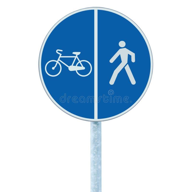 Sinal de estrada da pista da bicicleta e do pedestre no cargo do polo, na rota do passeio azul da passagem isolada grande círculo foto de stock