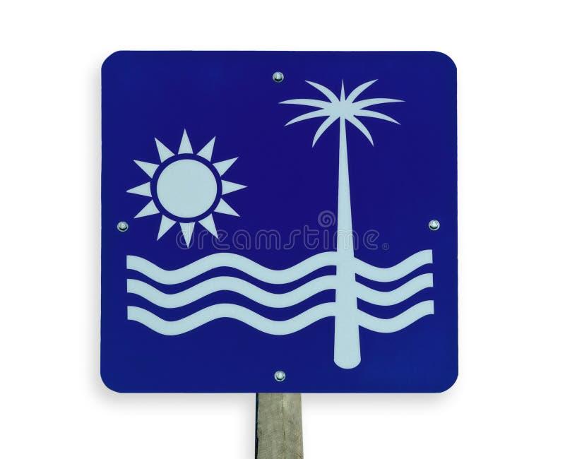 Sinal de estrada da praia, trajeto de grampeamento. imagem de stock royalty free