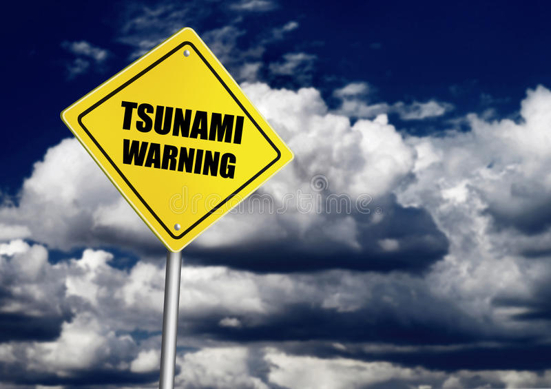 Sinal de estrada de advertência do tsunami imagem de stock