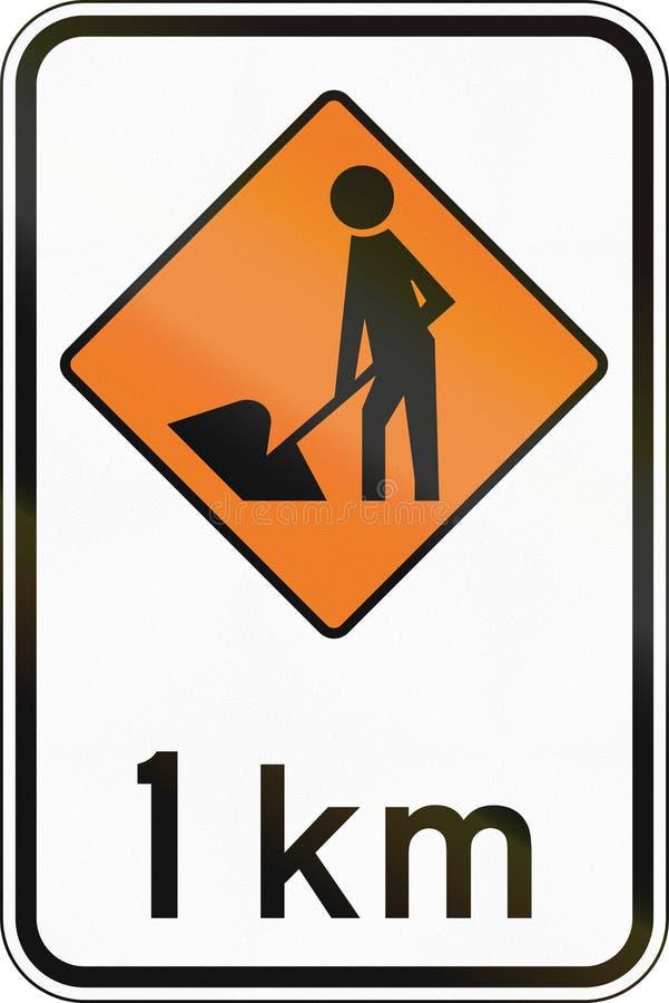 Sinal de estrada de Nova Zelândia - trabalhadores da estrada adiante em 1 quilômetro ilustração stock