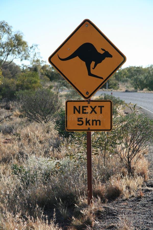 Sinal de estrada do canguru, Austrália fotografia de stock royalty free