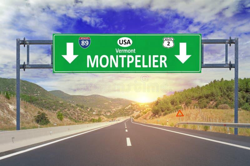 Sinal de estrada de Montpelier da cidade dos E.U. na estrada fotografia de stock royalty free