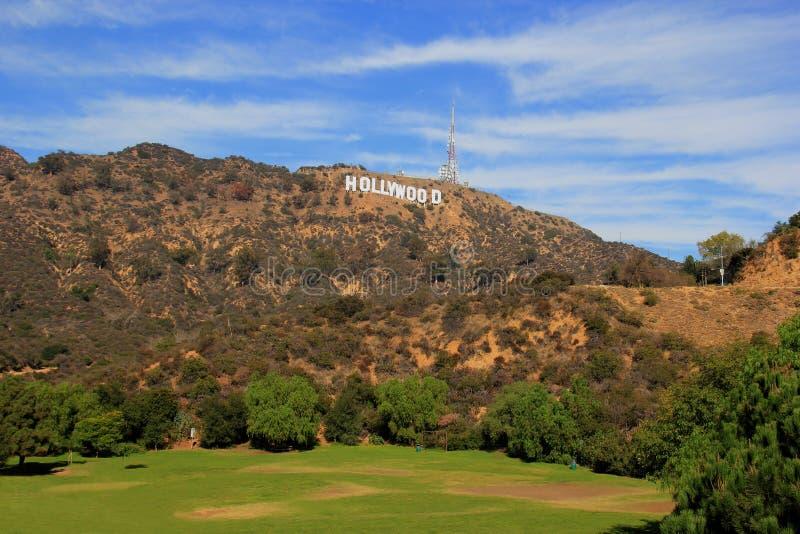 Sinal de Hollywood em um céu azul fotos de stock