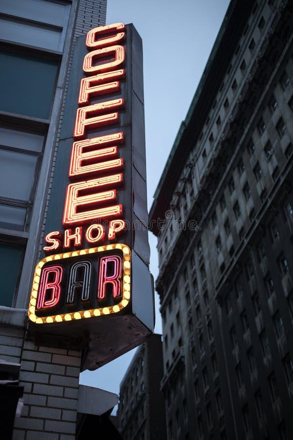 Sinal de néon do café de Nyc fotografia de stock royalty free
