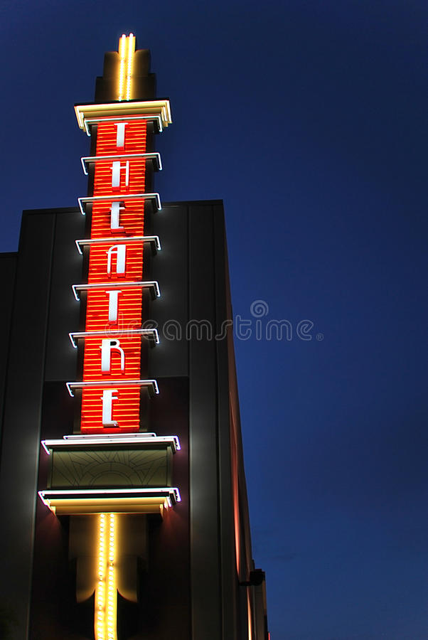 Sinal de néon do teatro foto de stock