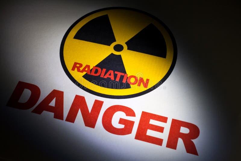 Sinal de perigo da radiação imagens de stock royalty free