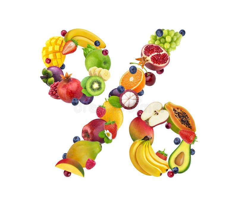 Sinal de por cento feito de frutos diferentes e das bagas, alfabeto do fruto isolados no fundo branco foto de stock royalty free