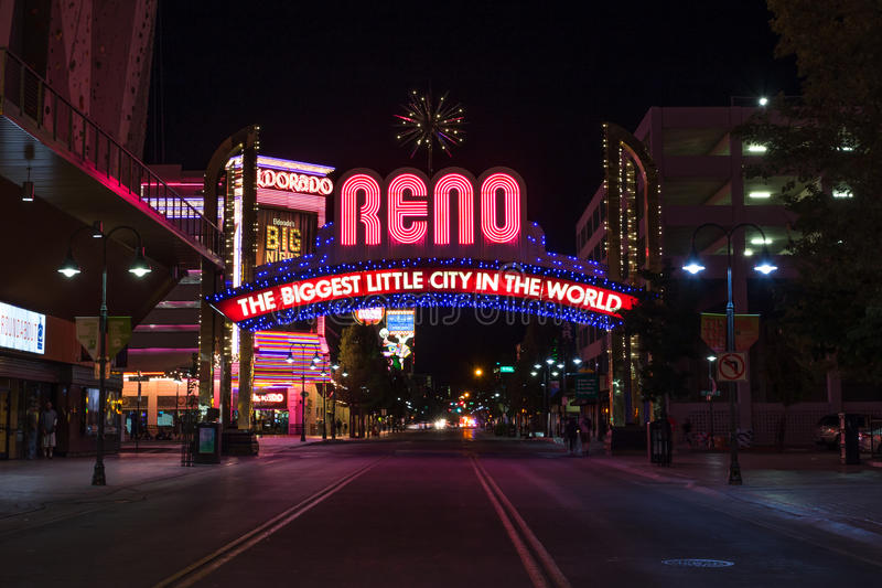 Sinal de Reno Biggest Little City Arch imagens de stock royalty free