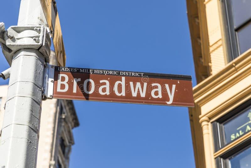 Sinal de rua Broadway em New York foto de stock royalty free