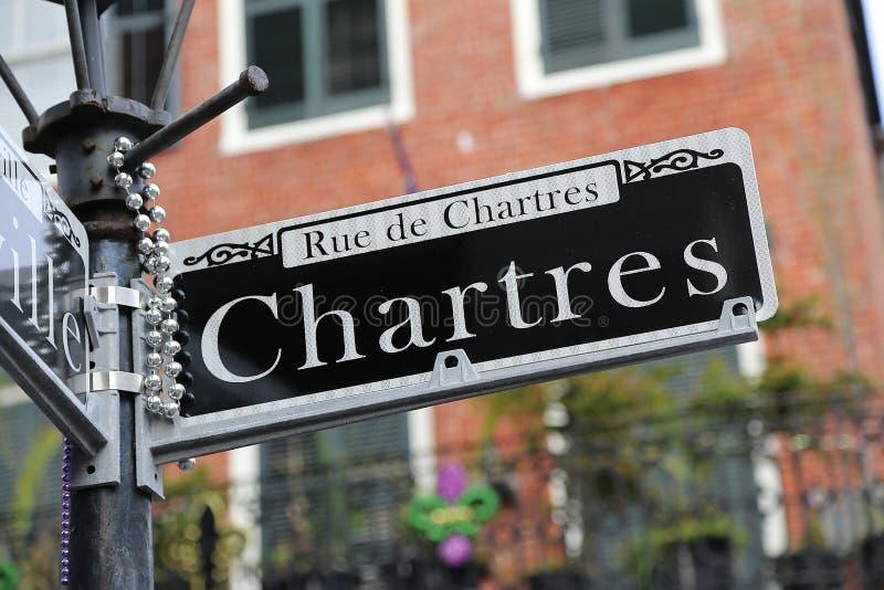 Sinal de rua de Nova Orleães - de Chartres foto de stock